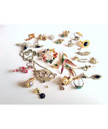 Lot of Vintage Bling Bling Junque Jewelry Crafting Repurposing - $12.49