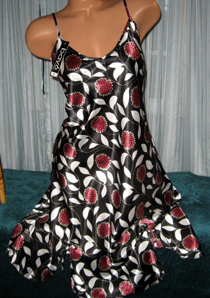 Black Floral Burst Chemise Short Gown 1X 2X Plus Size Adjustable straps