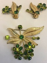 Vintage Austria Rhinestone Pin Brooch Clip Earring Set Green Flower Gold... - $33.79