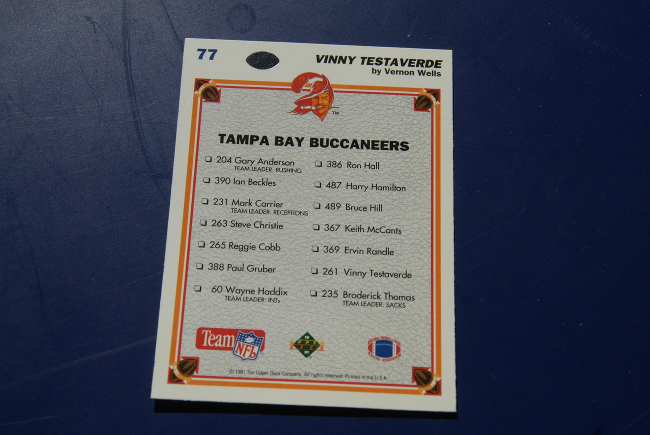 Tampa Bay Buccaneers 1991 UD #77 Vinny Testaverde NFL Card The Collectors Choice