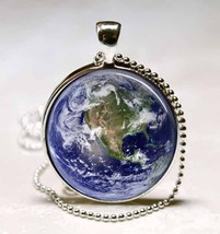 Earth Showing North America Map Glass Dome Jewelry Necklace Pendant (PD0132) - $10.99