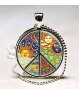 Sun Earth Butterfly Peace Symbol Photo Glass Dome Pendant (PD0576) - $245,79 MXN