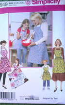 Simplicity 3949 Child's and Misses Cobbler Aprons All Sizes Sm, Med, Lg ... - $9.95