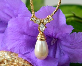 Vintage Faux Teardrop Pearl Rhinestone Bridal Necklace Goldtone Signed - $29.95