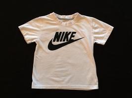 Nike short sleeve boys t-shirt  - $6.00