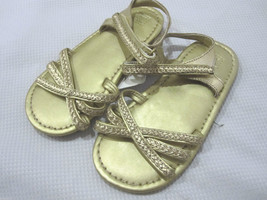 NWT GIRLS JANIE AND JACK GOLD SANDALS SZ 9 - $24.99