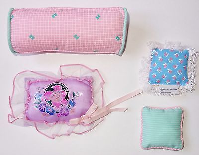 Lot 4 Vtg 1980s Barbie Doll Dream House Replacement Sofa Bed Pillows VGC !!!