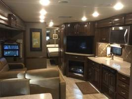 2017 Thor Tuscany XTE 36MQ For Sale In Salinas, CA 93908 image 8