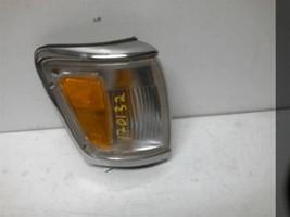 1992-1995 TOYOTA 4 RUNNER Passenger Corner/Park Lamp-turn Signal 405052 - $45.54