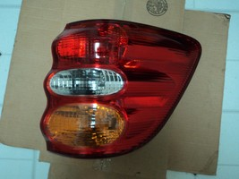 Fits 2001-2004 Toyota Sequoia TAIL LIGHT rear lamp - RIGHT - $74.25