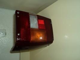 LAND ROVER RANGE ROVER LEFT DRIVER SIDE TAIL LIGHT 1994-1995 - $123.75