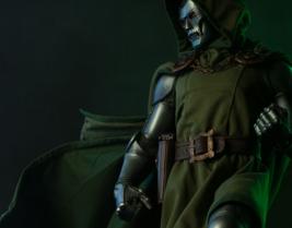 Dr Doctor Doom Sideshow Exclusive Marvel Premium Format Figure Fantastic... - $643.49