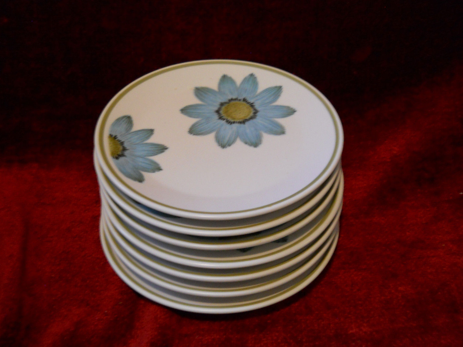 Primary image for Noritake Ups a daisy set of 7 bread plates