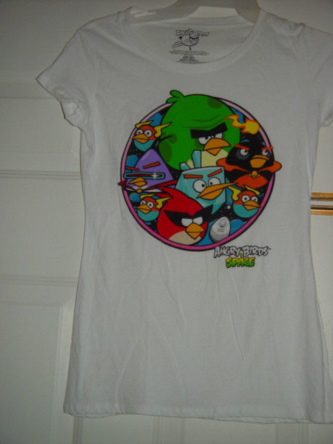 Angry Birds White T-Shirt Size Large