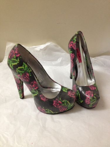 Womens Rose Print Betsey Johnson Heels Size 6.5 New