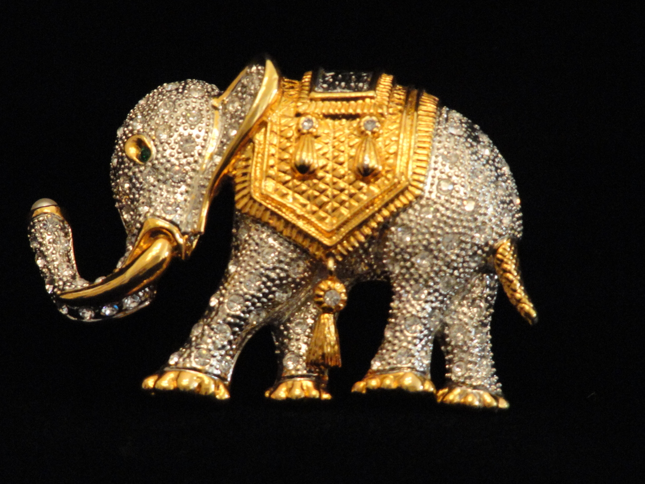 Lgelephantbrooch