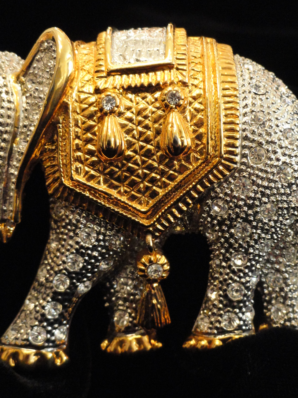 Large Rhinestone Encrusted Goldtone Moghul Howda Elephant Brooch With Movement