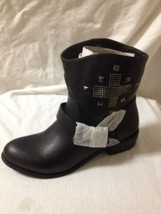 Women's Black Leather Mia Studded Boots Size 8 New - $39.59