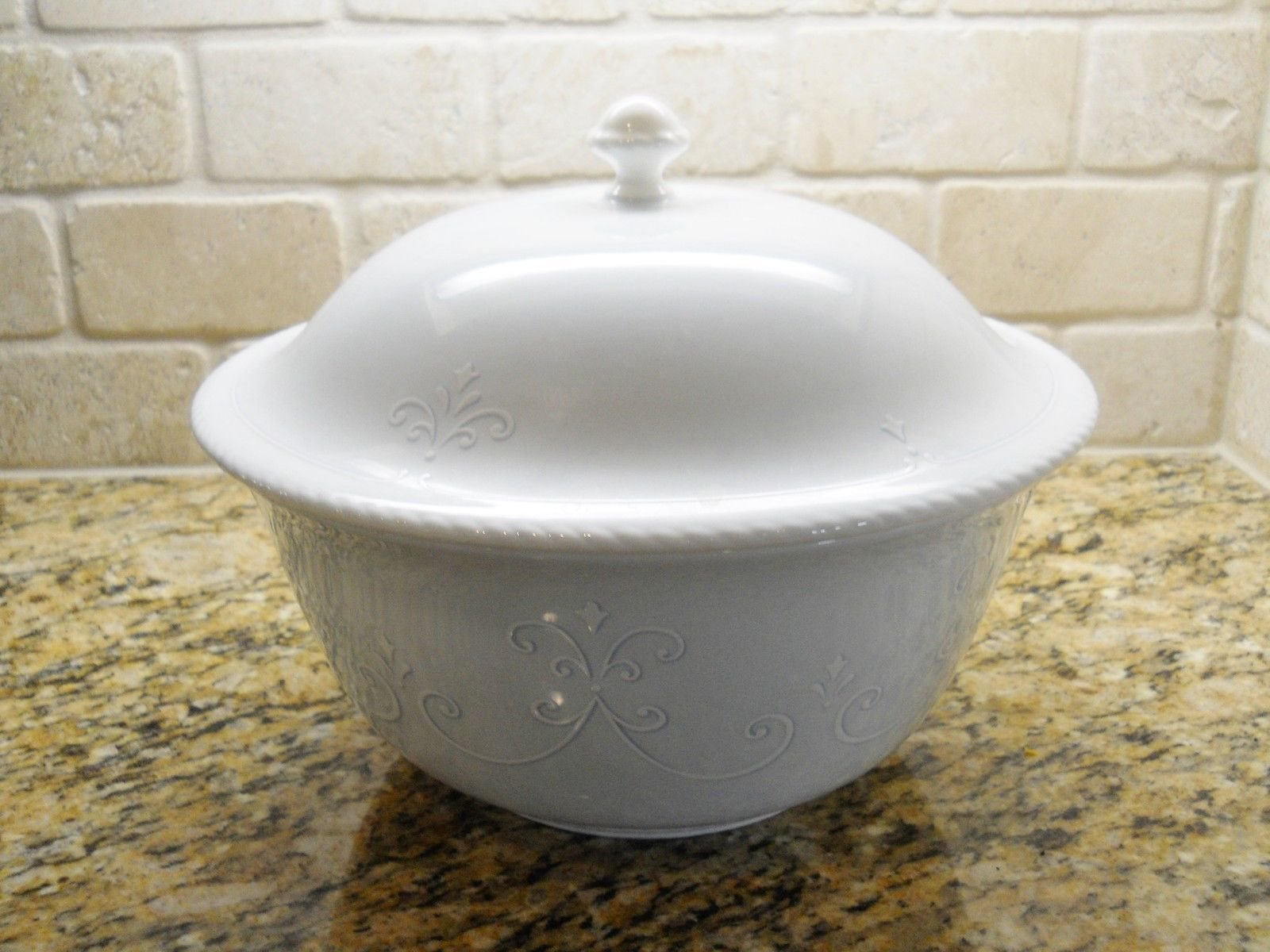"Primary image for Lenox China Swedish Lodge 11 1/4"" X 5"" Covered Casserole 4 quart"