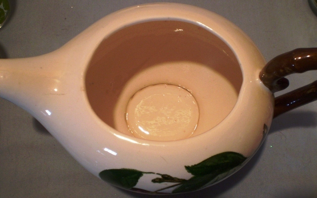 Metlox Poppytrail California Apple Teapot