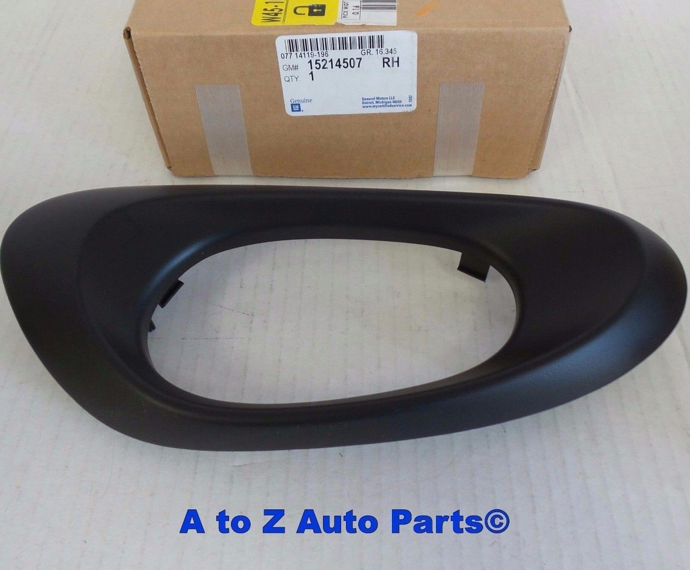 2002-2009 Trailblazer New OEM RH Rear Inside Door Handle Bezel 15214507