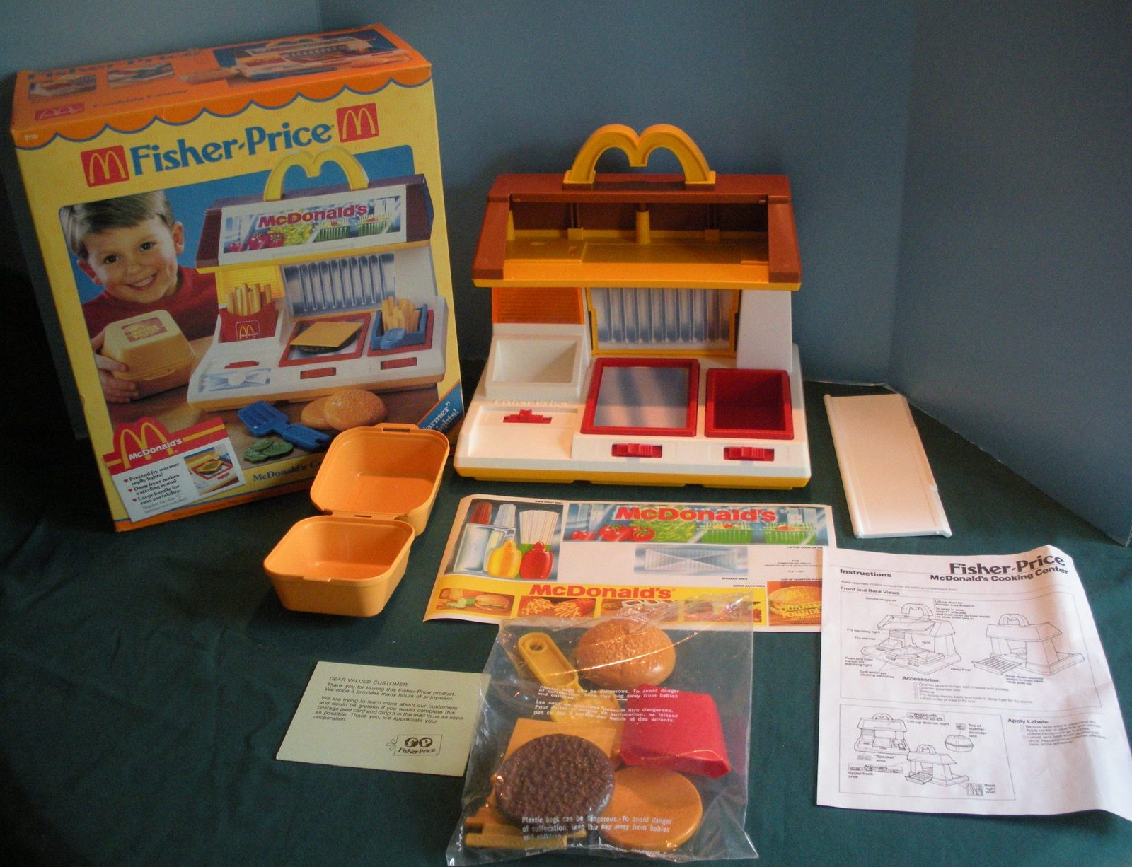 Rare Vtg. Fisher Price Fun-with-Food #2119 McDonald's Cooking Center w/Box! (C)