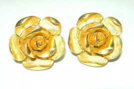 VINTAGE SIGNED CROWN TRIFARI ROSE FLOWER GOLD TONE CLIP ON EARRINGS - $80.00