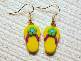 Yellow Green Blue Spring Flower Flip Flop Sanda... - $1.50