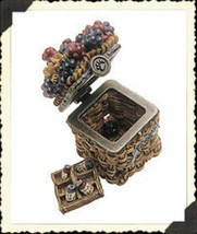 "Boyds Treasure Box ""Lizzie's Berry Basket w/Currant McNibble"" #392110- New -2E - $19.99"