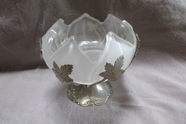 Vintage BRAMA Silverplate Lily Frosted Glass Candy Dish, England - $17.75
