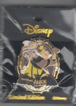 Queen of Hearts Alice In Wonderland Authentic Disney Japan  pin On Card - $74.99