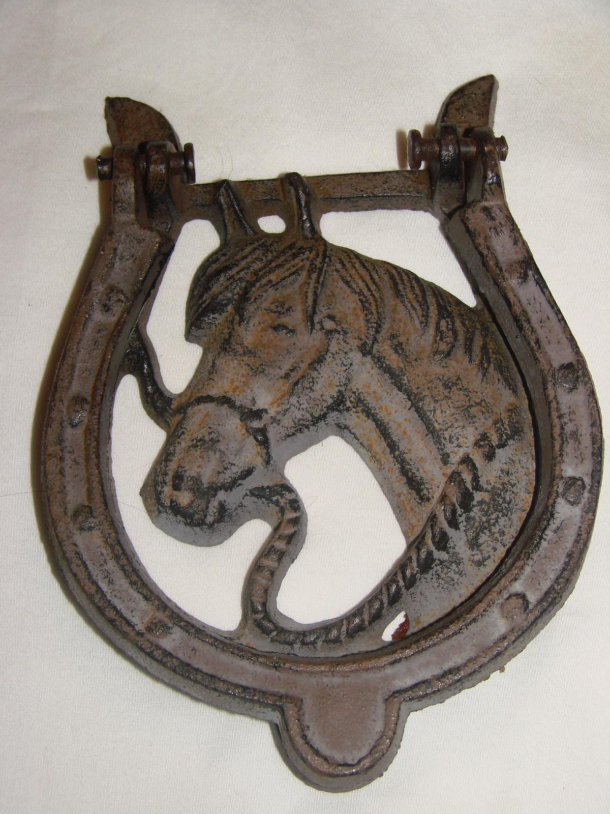 Horse Horse Shoe Cast Iron Door Knocker Cast Iron