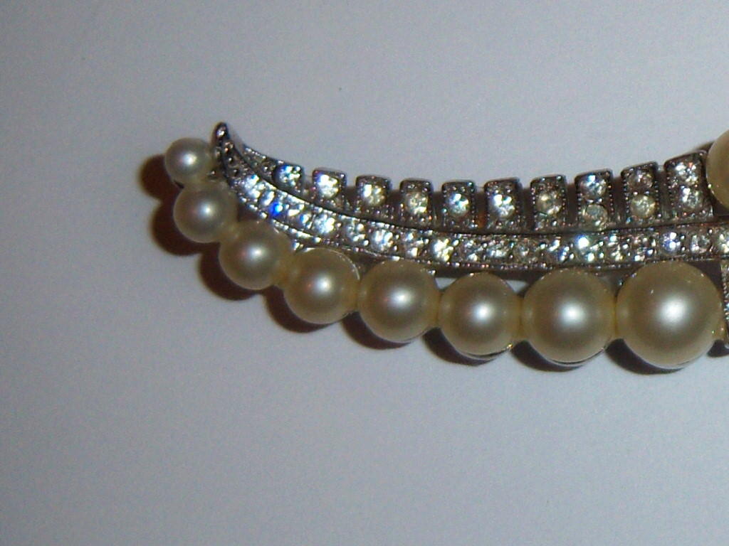 Vintage Marvella Brooch. Faux Pearl Brooch With Clear Stones.