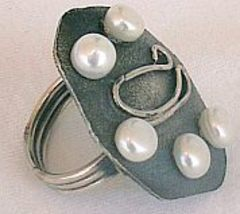 White 5 pearls silver ring 2 thumb200