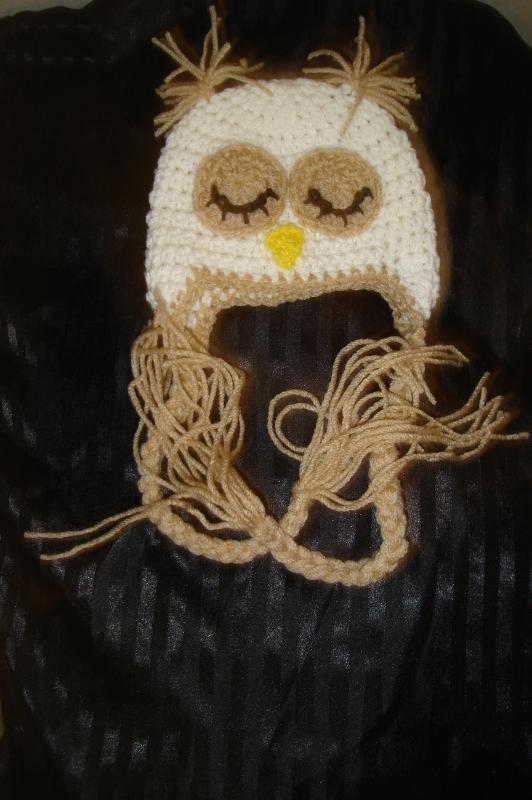 Hand crocheted sleepy owlet beanie/cap/earflap hat photography prop for baby/inf