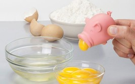 Egg Separator FUNKY Home Kitchen Cake Tools Chef Gifts Design YOLKPIG YO... - $19.00