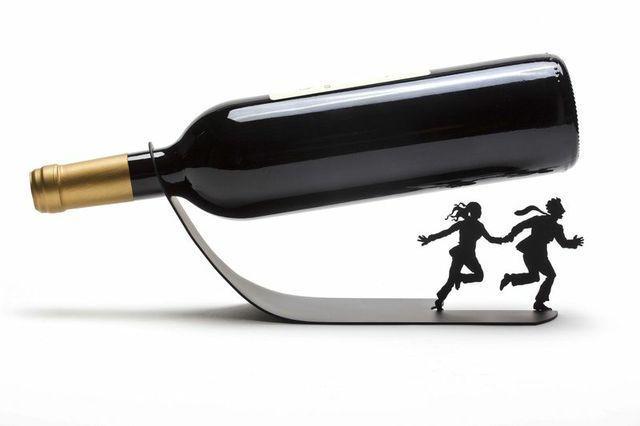Home Decor Elegant Metal Design Set Gift Wine Bottle Display + Warming Candle