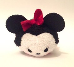 Disney 2015 Tsum 8.9CM Mini Holiday NoËl Minnie Mouse - $5.89