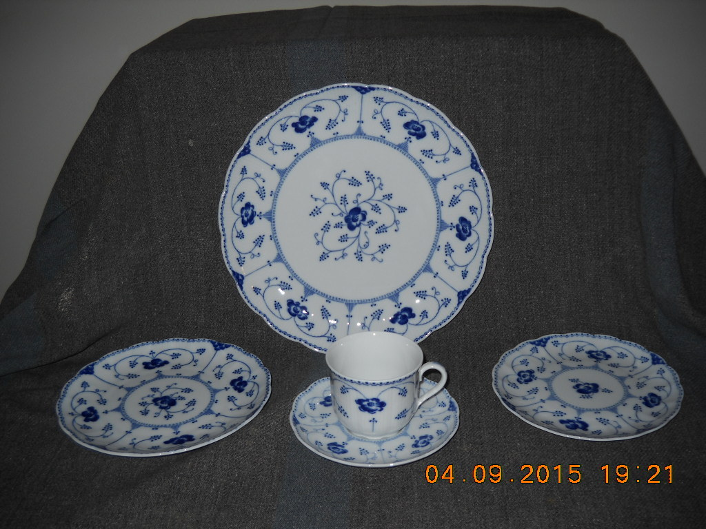 Primary image for 6-5 PC COUNTRY CLASSIC ECHT COBALT NO 1 CHRISTINEHOLM PORCELAINE MADE IN GERMANY