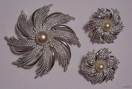 Vintage Sarah Cov Pearl Spinner Brooch & Earrings Set - $38.95