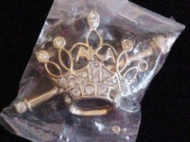 Gold-tone Mixed materials Rhinestone CROWN BROOCH PIN RARE Unsigned - $34.65