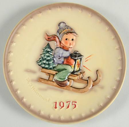 Hummel Annual Plate 1975 RIDE INTO CHRISTMAS -