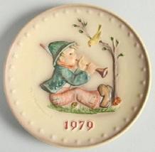 Goebel Hummel Annual Christmas Plate 1979 Boy Playing Horn #272  - $33.99