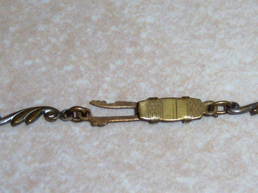 Vintage Art Deco Choker Necklace. Blue Stone Necklace On Silver Tone.