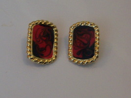 Vintage Abstract Clip On Earrings. Red And Black Enameled Clip Earrings. - $10.00