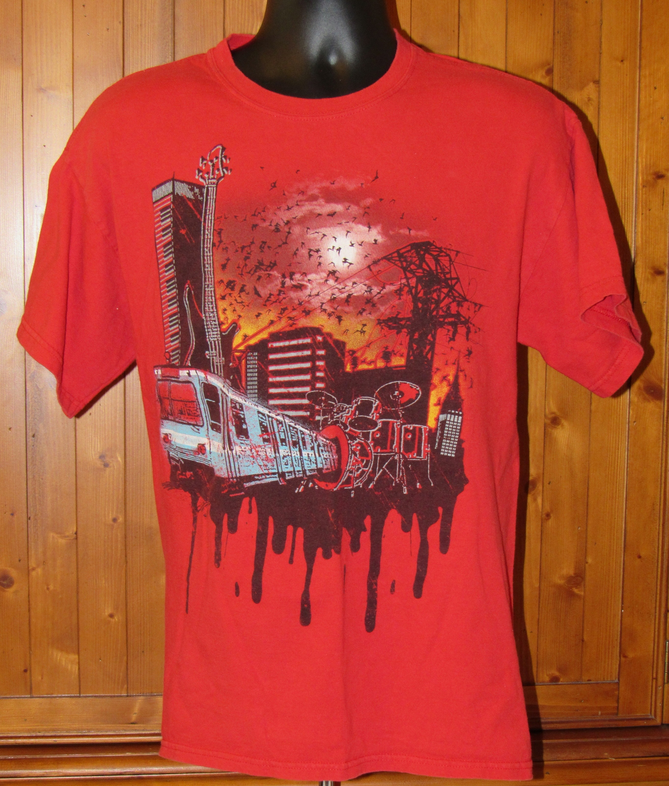 Mad Engine Men's Train Subway Guitar Band Red Distressed T Shirt L