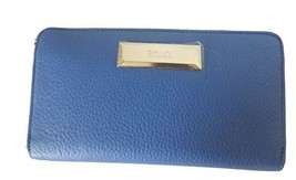 Dkny Slgs Soft Leather Large Carryall Wallet Blue - $131.17