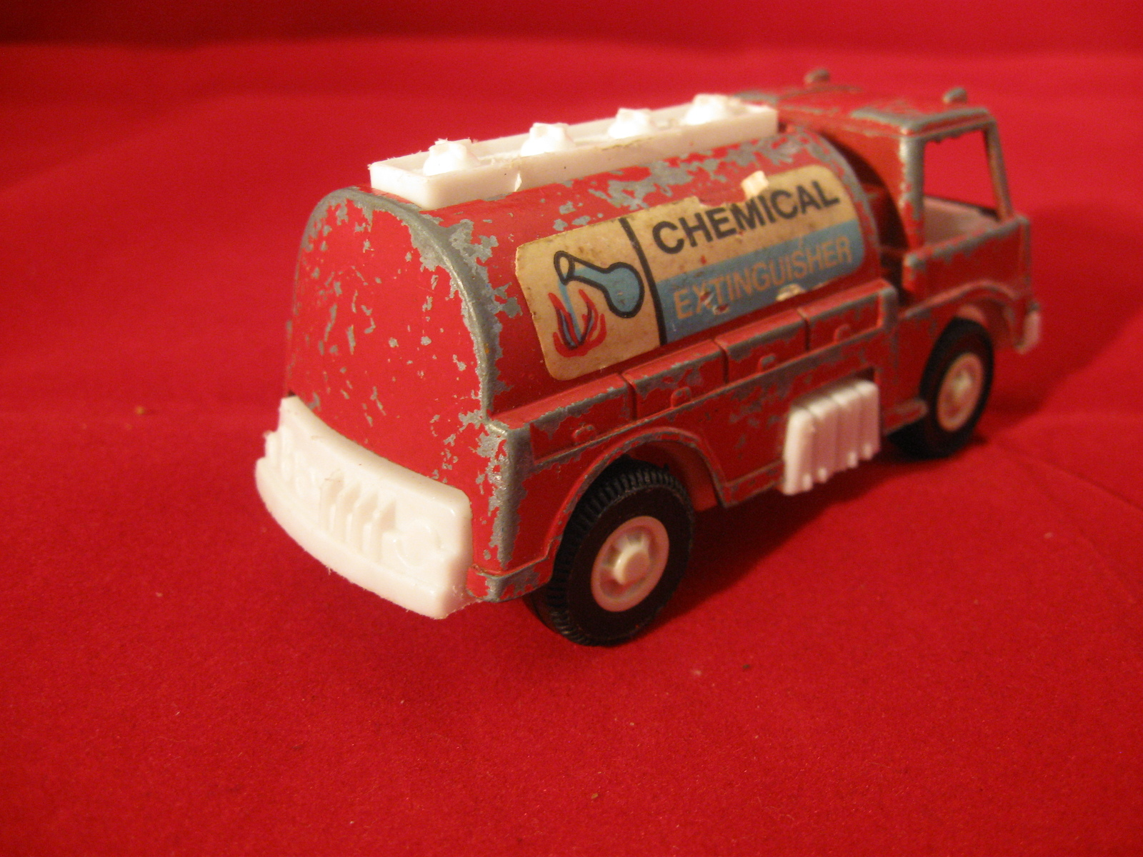 Tootsie Toy 1970 Chemical Extinguisher Vintage Diecast