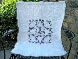 Vintage quilted pillow shams1 thumb200
