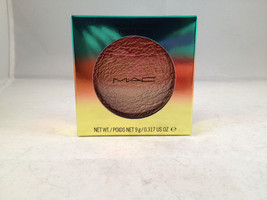 MAC Cosmetics Wash & Dry Collection High-Light Powder Freshen Up highlighter - $72.99